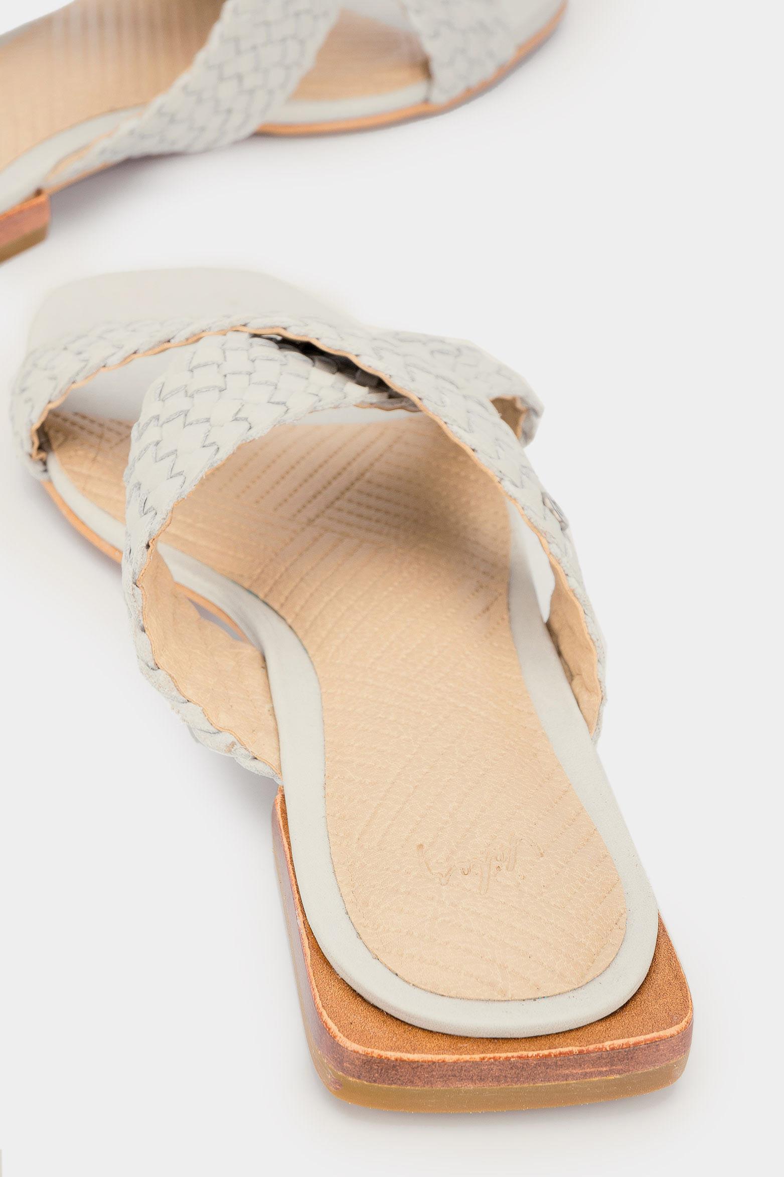 Sandalias-de-cuero-para-mujer-