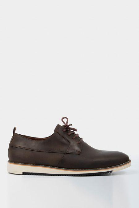 Zapatos-de-cuero-con-cordones-