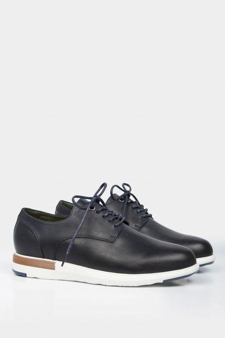 Zapatos-de-cuero-con-cordones