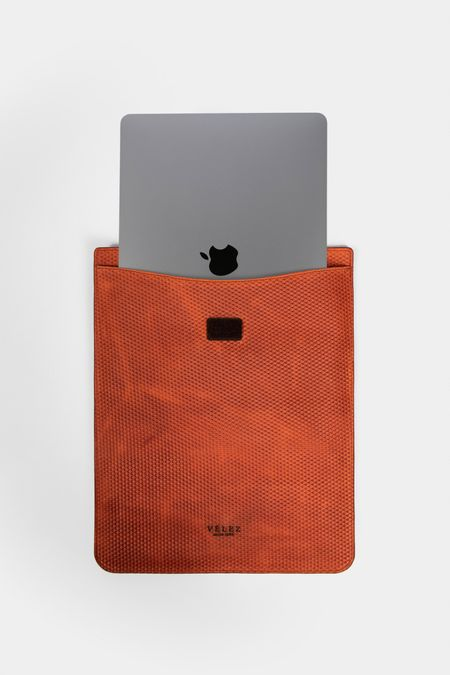 Porta-tablet-de-cuero